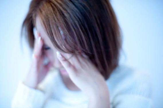 頭痛のイメージ写真